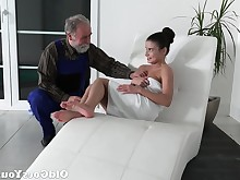 babe blowjob brunette hardcore hd lick old+young